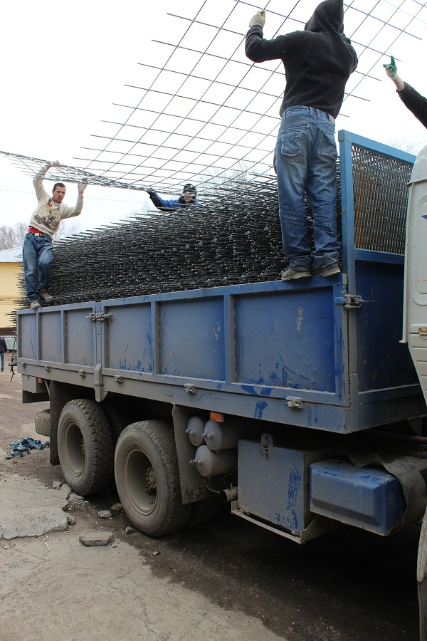композитная сетка в бетон погрузка