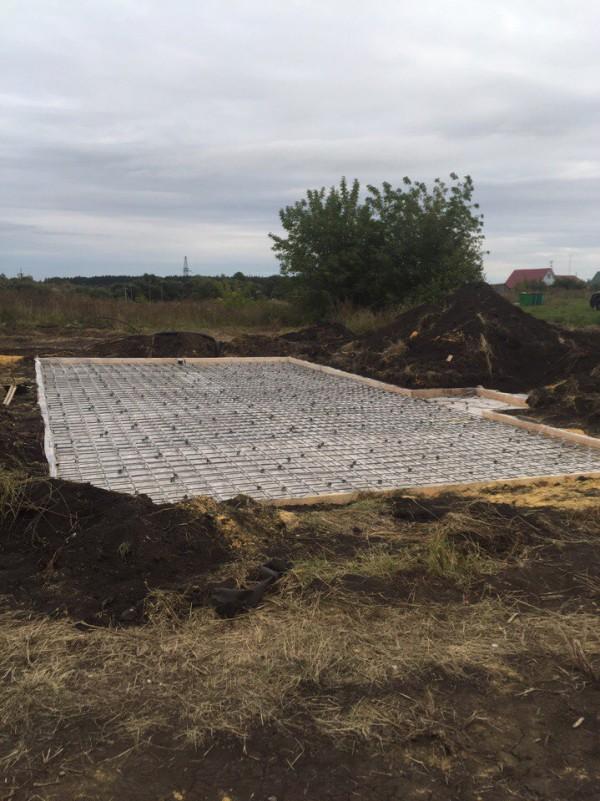 Армирование бетона монолитной плиты с сеткой BASIS