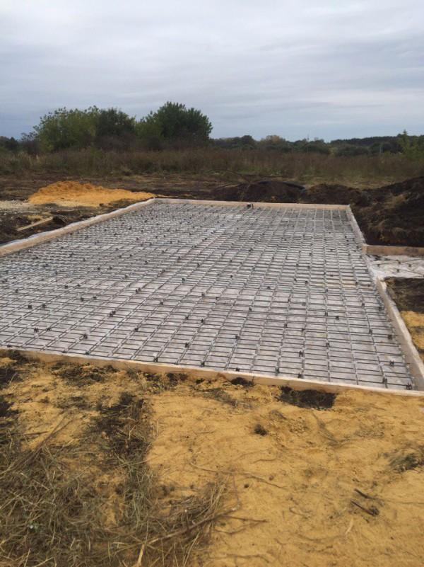 Армирование бетона фундаментной монолитной плиты с применением композитной сетки BASIS